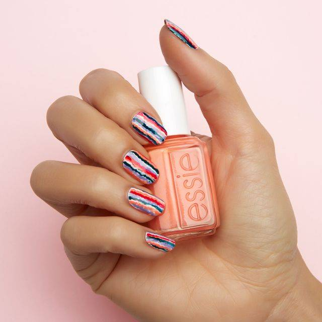art sur ongles blurred lines